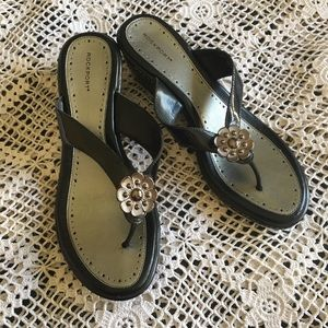 ROCKPORT BLACK PATENT LEATHER SANDALS WITH FLOWER